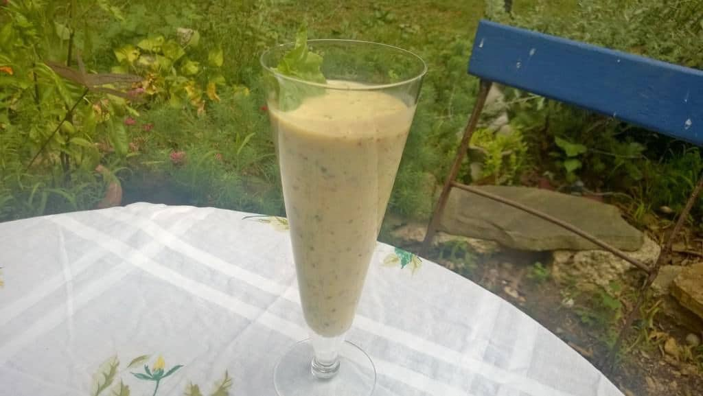 It's hot outside but this smoothie can help keep you cool!